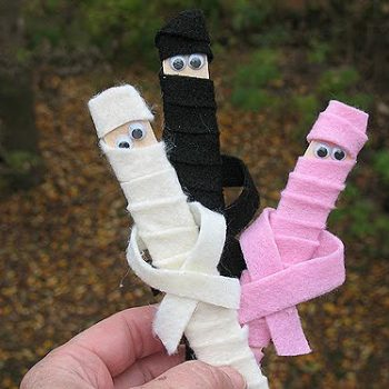 Craft Stick Mummies