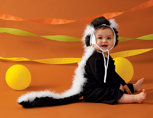 Easy Skunk Halloween Costume