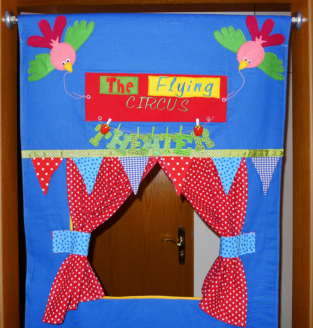 Door Frame Puppet Theater Fun Family Crafts
