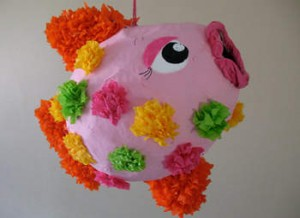 fish-pinata-craft-photo-350x255-aformaro-img_8357_rdax_65