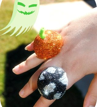 Glittered Halloween Cocktail Ring