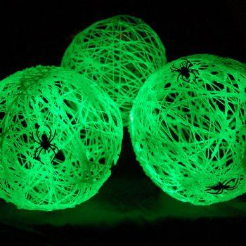 Glow in the Dark Spider Balls