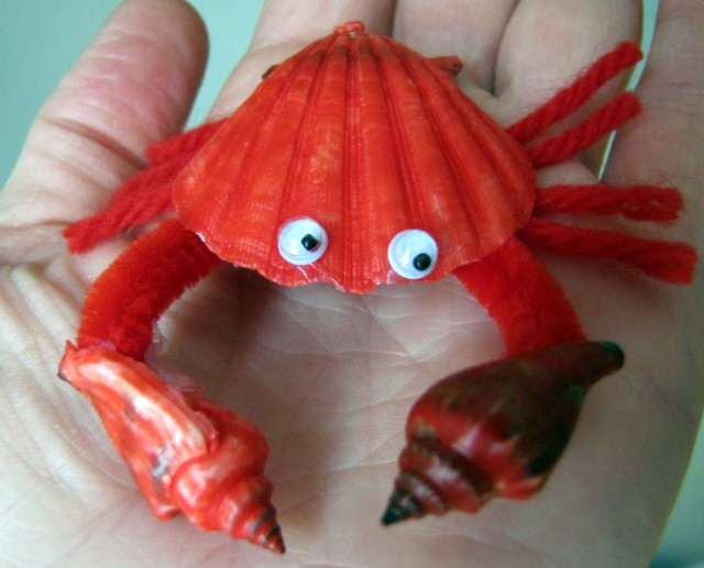 Red seashell crab fun family crafts for Seashell crafts for adults
