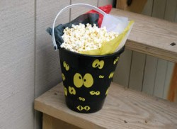 Spooky Eyeball Bucket