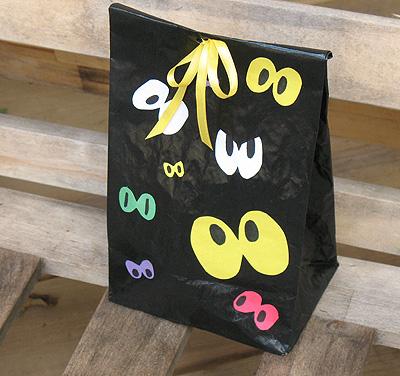 Spooky Eyeball Treat Bag