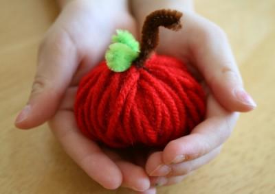 Yarn Apples