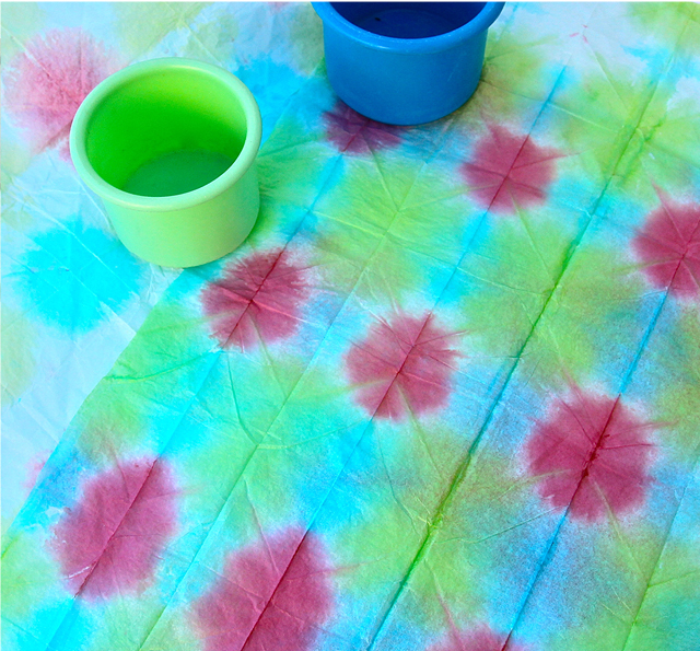 Tie dyed tissue paper fun family crafts - Tie and dye tissu ...