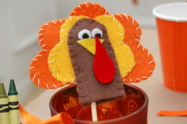 Thanksgiving Turkey Finger Puppets