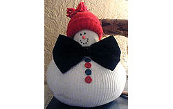 No-Sew Plump Snowman