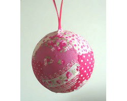 Easy Fabric Bauble