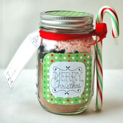 Recipe to assemble a peppermint hot chocolate mix in a pint-sized jar ...