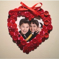 Button Valentine Frame