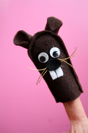 Felt Groundhog Finger Puppets