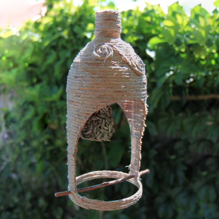 Bottle Birdfeeder