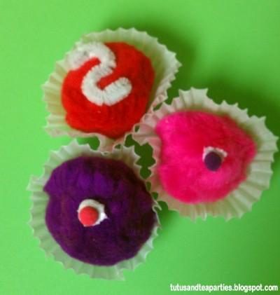 Pom Pom Cupcake Magnets