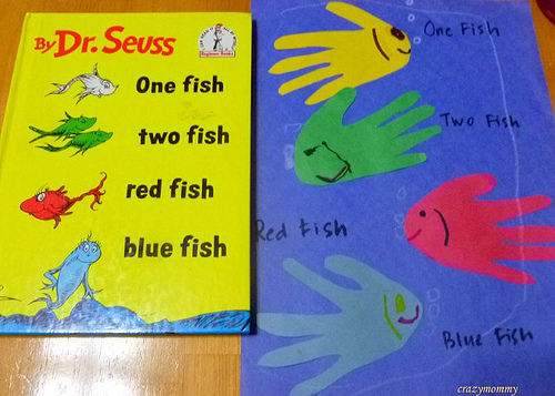 One fish two fish hand print fish fun family crafts for One fish two fish red fish blue fish costume