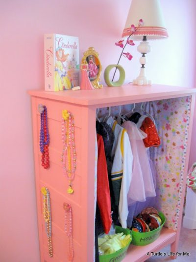 Little Girl's Dress Up Center