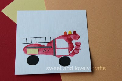 Fire Truck Craft Preschool http://funfamilycrafts.com/footprint-fire-truck/