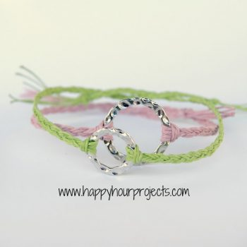 10-Minute Friendship Bracelet