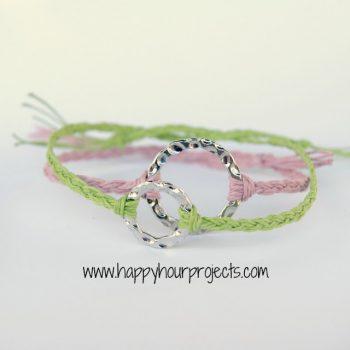 10-Minute Friendship Bracelet