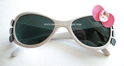 Hello Kitty Sun glasses