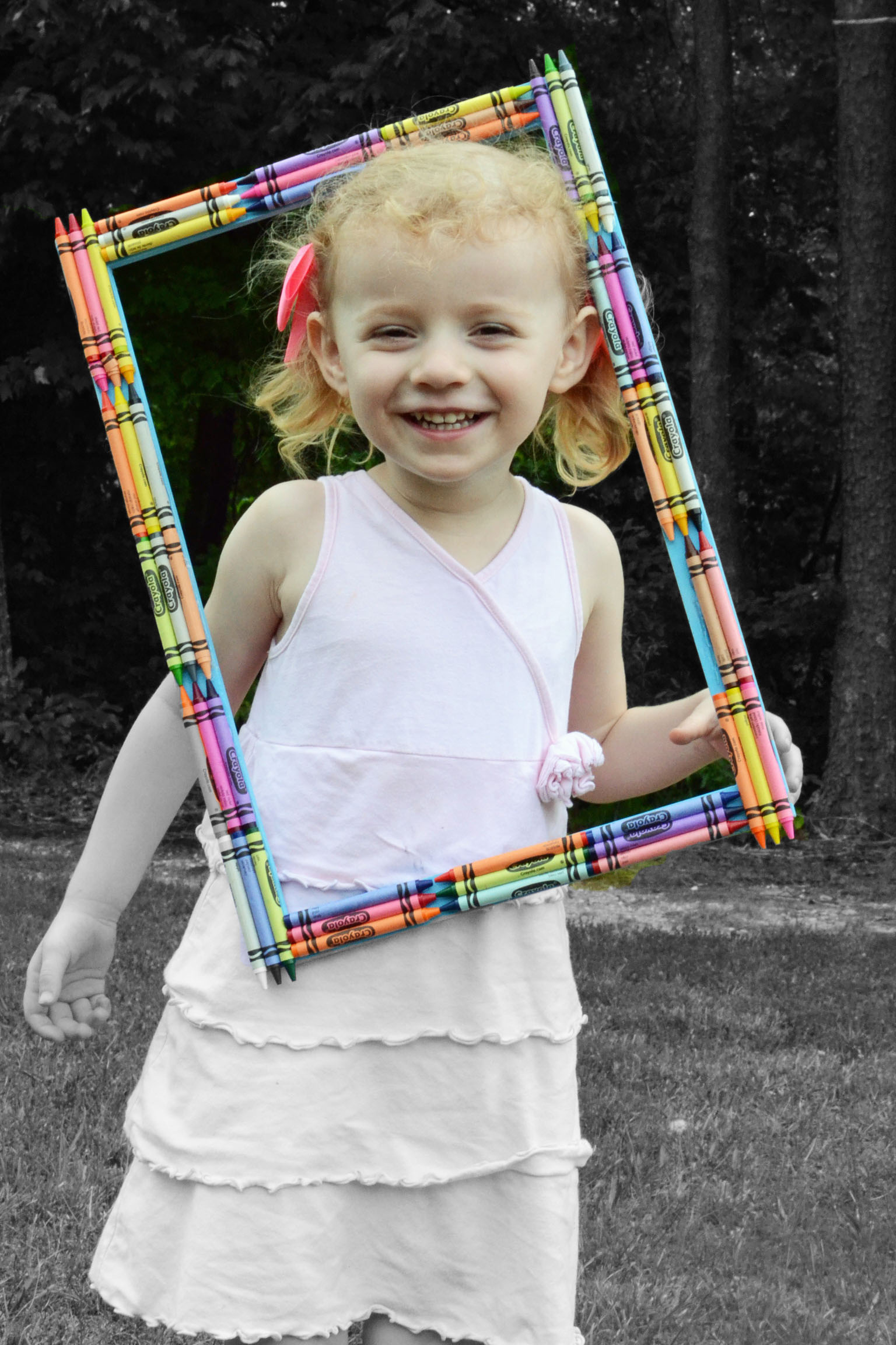 crayon photo frame fun family crafts