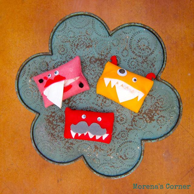 Pocket tissue monster fun family crafts for Snowman pocket tissues