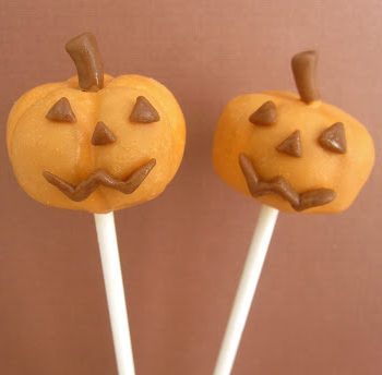 Caramel Jack O'Lantern Pops