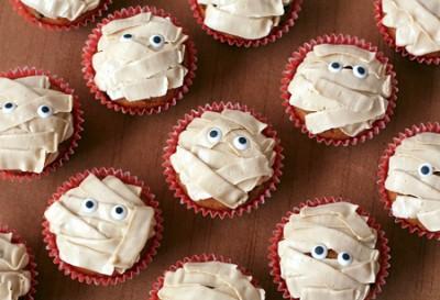 Mummy Pumpkin Chip Cupcakes
