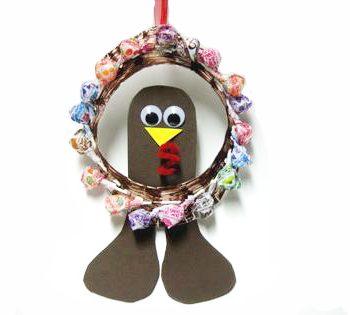 Lollipop Turkey Wreath for Thanksgiving