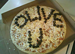 Olive You Valentine Pizza