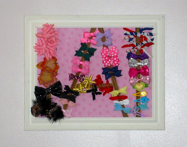 do you do with all your little ones hair bows? This DIY Hairbow Holder