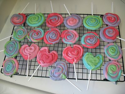 Valentine Play Dough Cookie Pops