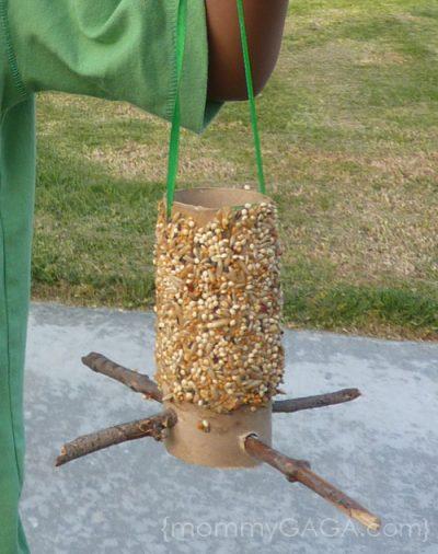 Homemade Bird Feeder  Fun Family Crafts-3958