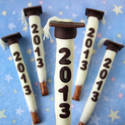 Graduation Pretzel Pops