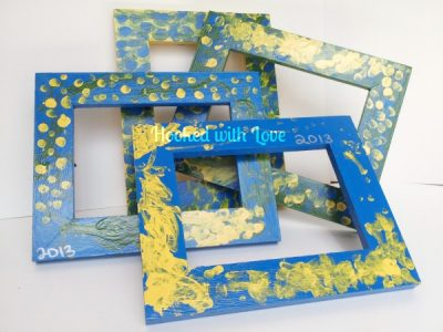 Finger painted picture frames fun family crafts for Picture frames for crafts