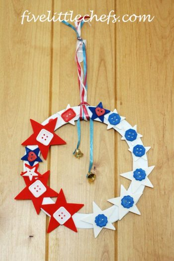 Easy Star Button Wreath