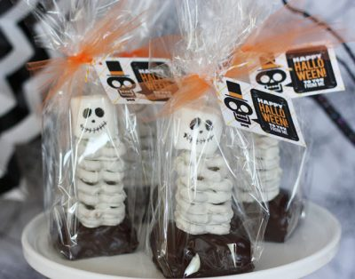 Edible Skeleton Treat