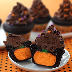 Cheesecake Pumpkin Filled Cupcakes