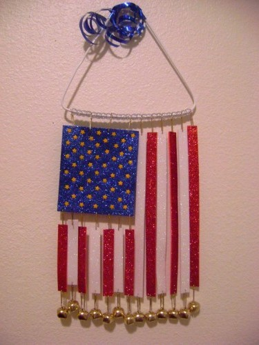 Flag wind chime fun family crafts for How to make a simple wind chime