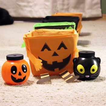 Halloween Toss Game