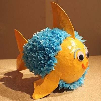Paper mache pinata fish fun family crafts for Best way to paper mache a balloon