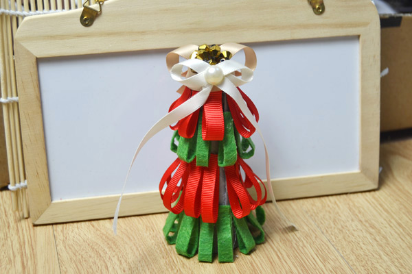 Ribbon Christmas Tree