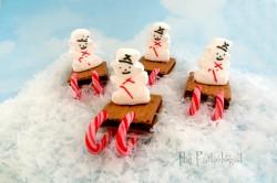 Sledding Snowman S'mores