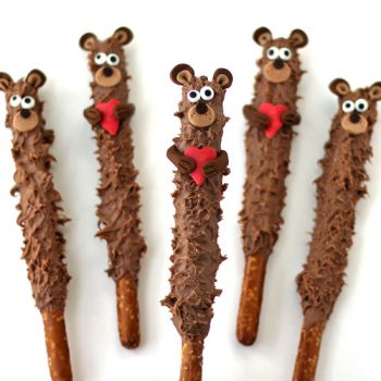 Teddy Bear Pretzel Pops