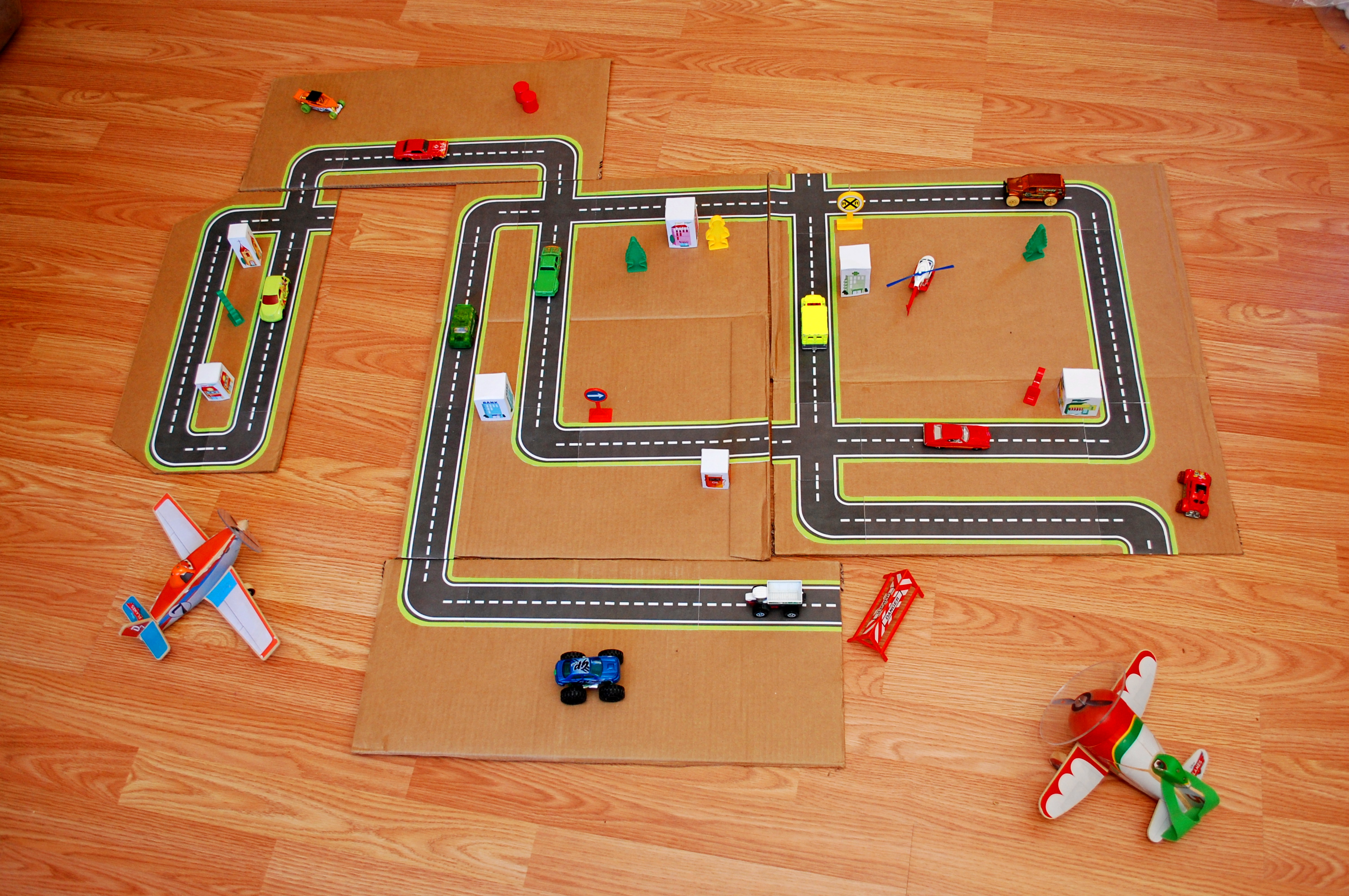 Sew A Toy Car Holder : Printable road maps for toy cars fun family crafts