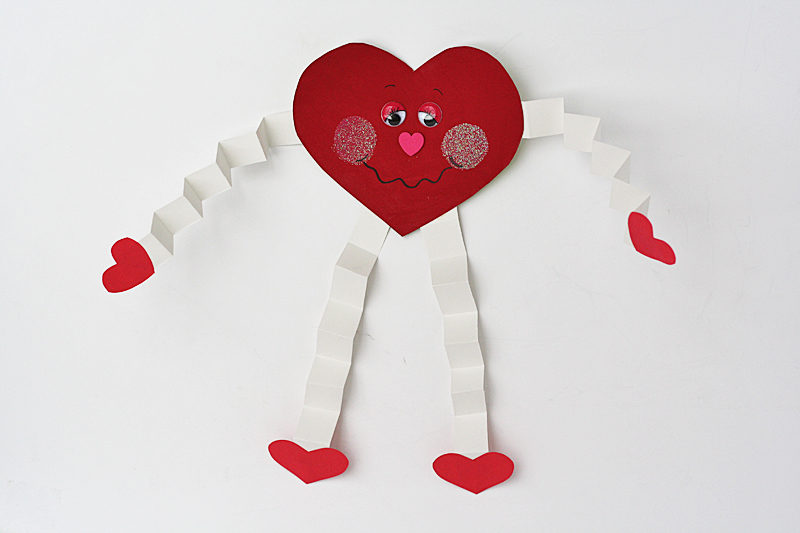 Valentine hug cards fun family crafts for Valentines crafts for kindergarten