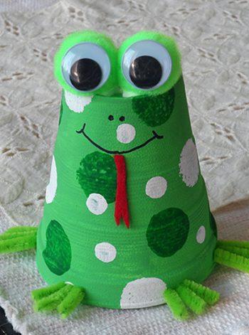 Foam Cup Frog