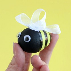 Bee-utiful Easter Eggs