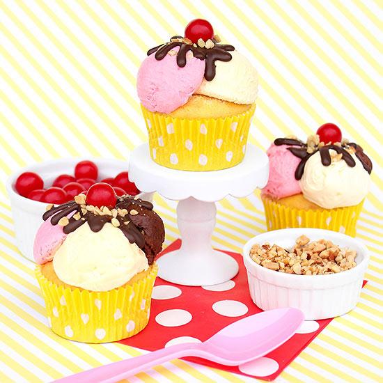 Banana_Split_cupcakes